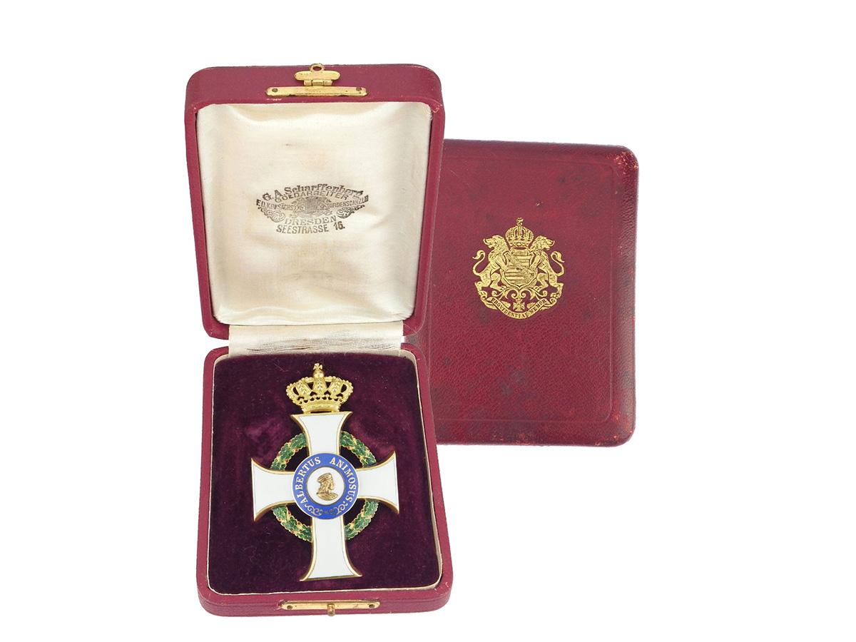 Gold Gruen Weisse Emaille Kreuz Orden