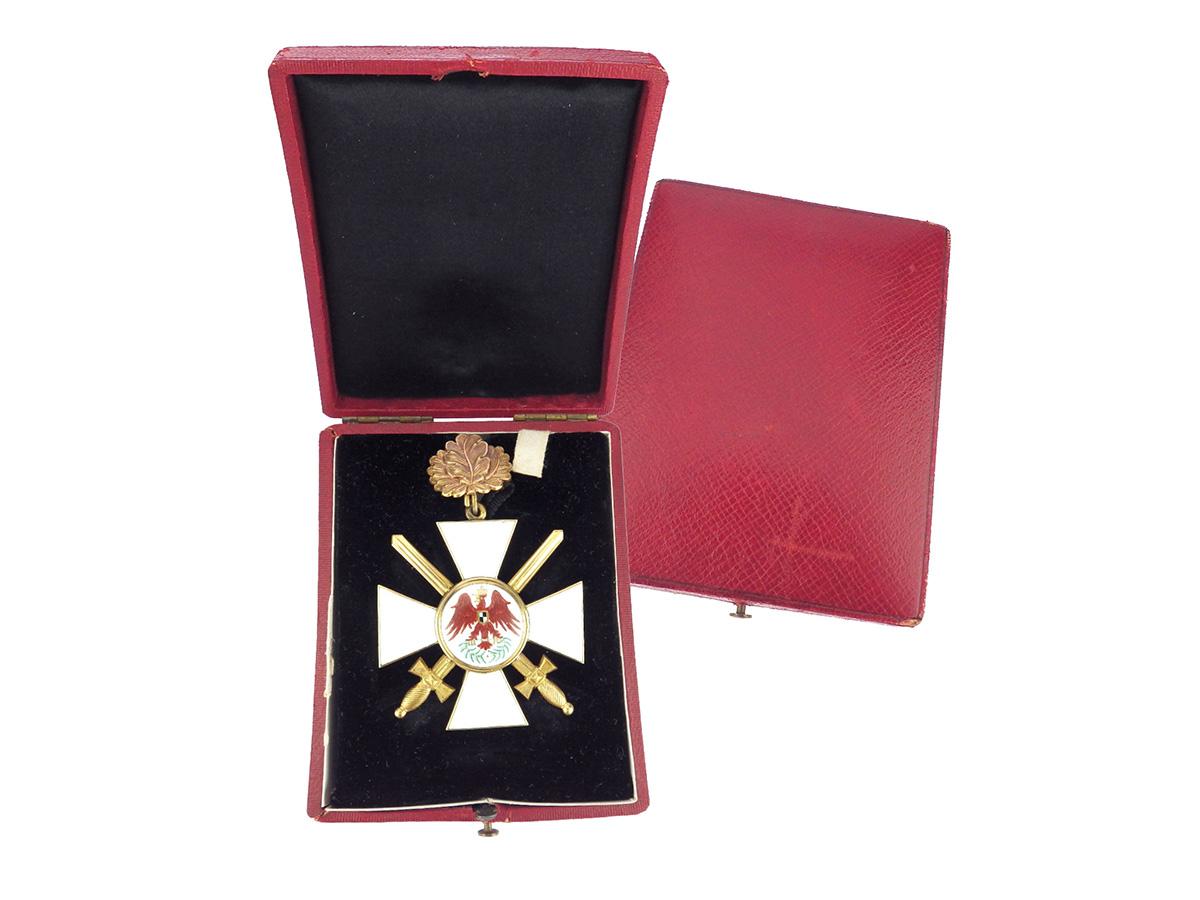 Gold Orden Roter Adler Kreuz